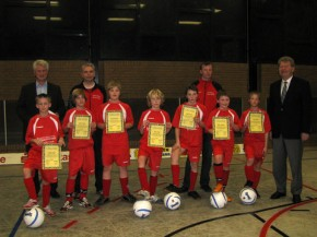 Die Nachwuchskicker des BSV Brochterbeck sind eines der Teams, die bei der Sportlerehrung in Tecklenburg ausgezeichnet worden sind. (Beate Müller)