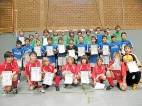 Die Siegermannschaften Arminia Ibbenbüren (hinten), Preußen Lengerich (Mitte) und der BSV Brochterbeck. © Westfälische Nachrichten - Alle Rechte vorbehalten 2009