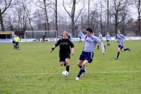 Thorsten Schräder (r.) erzielte drei Treffer beim 9:2-Erfolg der Brukteria in Steinbeck. (Foto: Heinrich Weßling) © Westfälische Nachrichten - Alle Rechte vorbehalten 2009